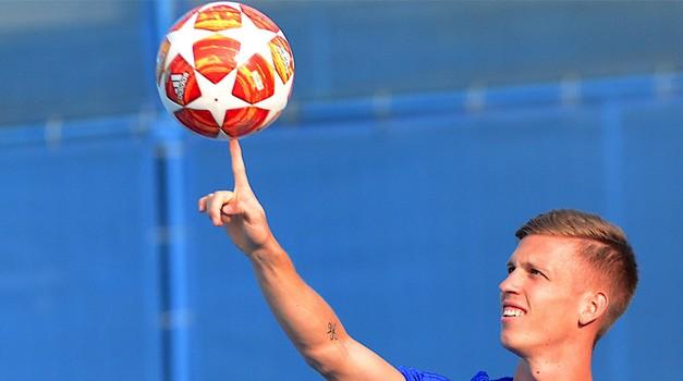 """DANI OLMO španjolski reprezentativac i Dinamov genijalac kojeg ćemo pamtiti kao jednog od najboljih plavih koji je ikada """"trčao"""" Maksimirom - LOPTA JE BAČENA, pustite ga iz kaveza neka slobodno leti"""