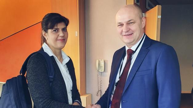 Laura Codruţo Kövesi, nova europska tužiteljica koja je u Rumunjskoj strpala stotine korumpiranih sudaca i političara u zatvor i Mislav Kolakušić koji želi isto