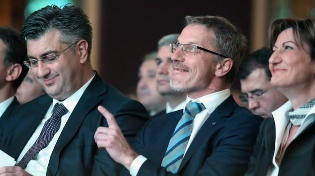 Slavko Tešija, viceguverner HNB ima bruto plaću 77.403 kn ili 2x više od Plenkovića i Kolinde! Vujčić i njegova sedmorka koštaju mjesečno 528.581 kn, godišnje 6,3 milijuna