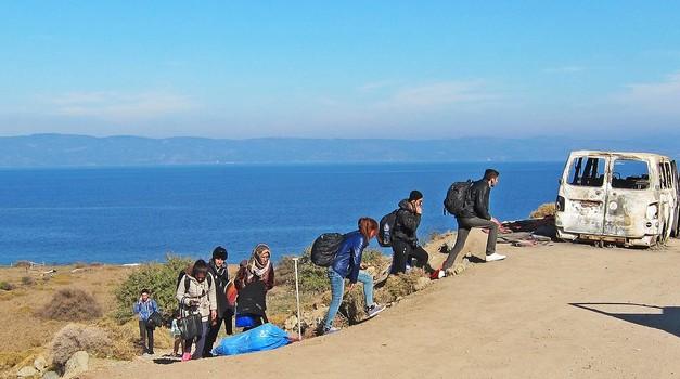 Erdogan ostvaruje prijetnje, propušta migrante na granicama s Grčkom i Bugarskom. Gotovo milijun izbjeglica sprema se prema EU. Atena zatvara granicu