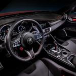 Alfa Romeo Giulija Veloce GTAm posebna je zvijer s 540 konja - ona je cuore sportiva u ekskluzivnoj i limitiranoj ediciji od samo 500 primjeraka iz lombardijskog središta paprenih oktanskih virusa (foto: Alfa Romeo)