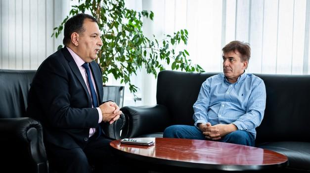 Intervju s prof. dr. sci. Vili Berošem. COVID-19 oteo se kontroli Talijanima. Ne putujte u krizna žarišta. EU sporo donosi odluke i moramo pod hitno djelovati poput Singapura koji odluke donosi u hipu