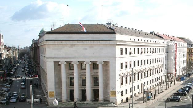 HNB bankama plasirao 4,55 milijardi kuna po kamati od 0,25 %, a one će ih građanima i po stopama od 9 posto