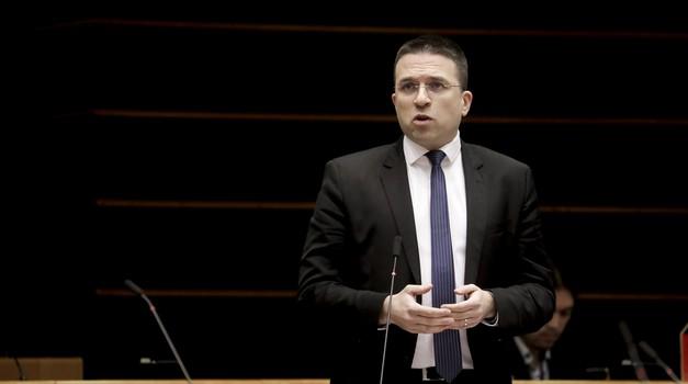 Tomislav Sokol: Vrijeme je da se proizvodnja lijekova vrati u EU. Ne smijemo biti toliko ovisni od Kine