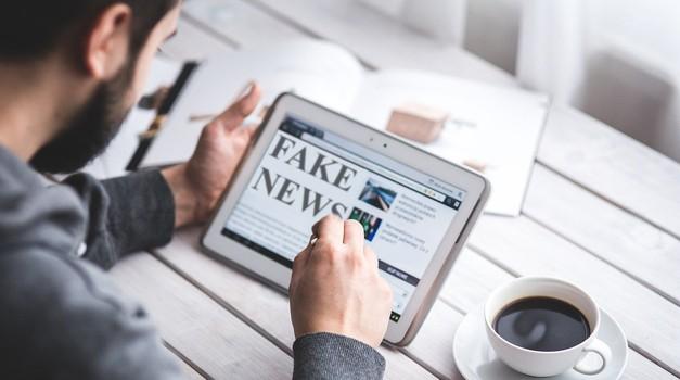 """EU: Ruski mediji šire """"fake news"""""""
