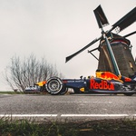 Video: Alex Albon i Max Verstappen otkrivaju Nizozemsku - i to u bolidima Formule 1. Zandvoort je otkazan kao i sve dosadašnje utrke F1, zato uživajte u neobičnoj utrci (foto: Red Bull)