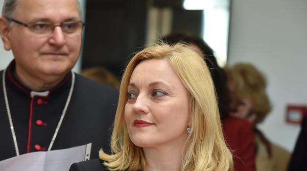 Mora li MARIJANA PETIR vratit uslugu za darovane potpise na EU izborima?