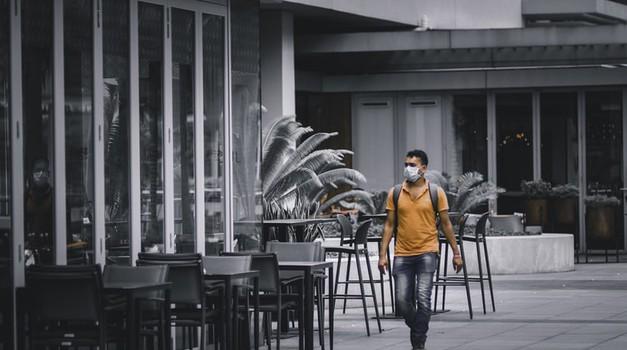 Kalifornija zatvorila sve kafiće i barove zbog ponovnog širenja zaraze koronavirusom