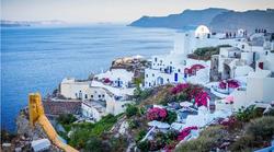 Grčka razmišlja o ponovnom zatvaranju zbog turista pozitivnih na COVID-19