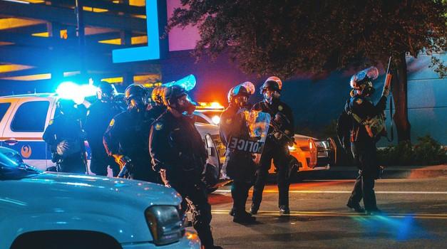 ŠPANJOLSKA: Uhićena dva Alžirca zbog planiranja terorističkog napada eksplozivom u Barceloni