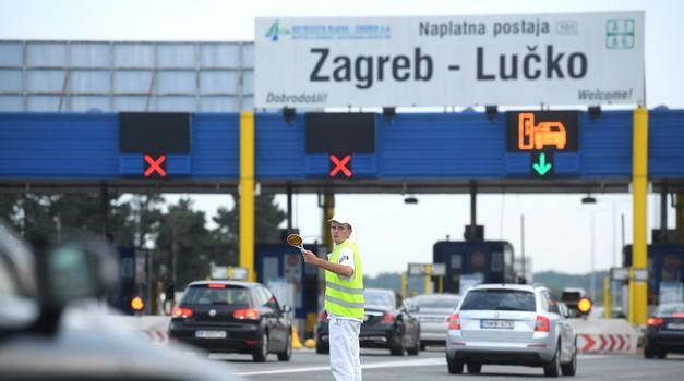 S VINJETOM od 110 eura Slovenci se voze godinu dana do mile volje, a mi samo jednom gore dolje po A1 i A3