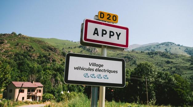 Renault predstavlja prvi francuski grad u kojem se vozi isključivo na električni pogon