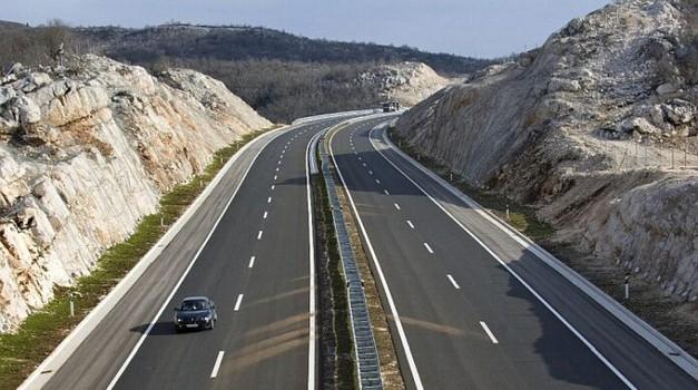 """Znate li što je """"hitni koridor"""" na autocesti? Poštujete li ga šanse za preživljavanje stradalih su i 50 % veće"""