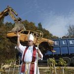 """- Ne mogu oni toliko zemlju """"zasvinjiti"""" koliko JA I MOJ ZELENKO možemo očistiti, veli Romeo Ibrišević nakon 16 godina i 16.000 uklonjenih olupina (foto: Romeo Ibrišević)"""