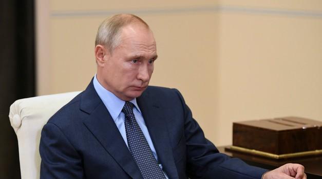 Putin upozorio strane sile da se ne miješaju u unutarnja pitanja Bjelorusije