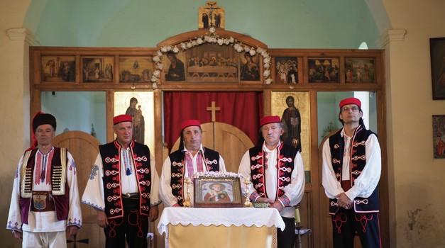 490 godina Uskoci brane, vole i štuju hrvatsku državu, a u Badovincima upaljene su svijeće u čast ratnika i paora koji su branili i zapadnu civilizaciju