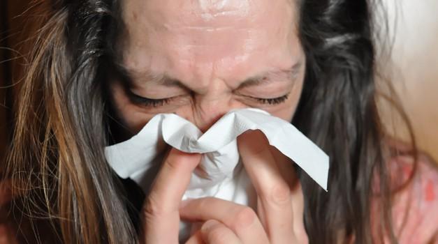 Kako znati imamo li Covid-19 ili gripu - a možda čak i oboje? Prepoznajte simptome, gubitak okusa i mirisa uzrokovan SARS-CoV-2 je najizraženiji