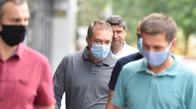 Muž zamjenice državnog tužitelja uhićen pa pušten jer je skrivao KOVAČEVIĆEVIH 4,5 milijuna u zemlji ORTAKLUKA - LUDO DA NE MOŽE LUĐE