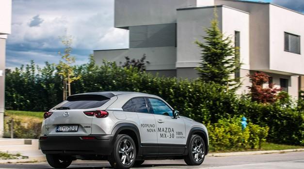 """Ono što je Mini među benzincima to je nova Mazda MX-30 među """"strujićima"""" - TEST + FOTO GALERIJA"""