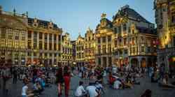 Policijski sat mjesec dana zbog Corone, zabranjeno napuštanje kuća bez iznimka, barovi i restorani zatvoreni... Belgija u stanju najviše pripravnosti