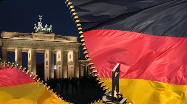 """Angela Merkel želi uvesti """"laganu karantenu"""" u Njemačkoj"""