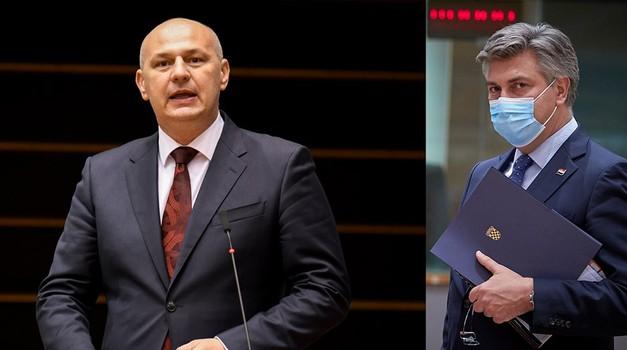 - Nema vas u Hrvatskoj, željni ste pažnje, ne čujemo ni glasa iz Bruxellesa pa pišete neistine i vrijeđate