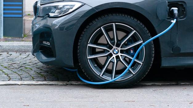 Do 2030. godine na EU cestama preko 30 milijuna električnih vozila