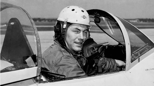 Umro je Chuck Yeager, prvi pilot koji je probio zvučnu barijeru