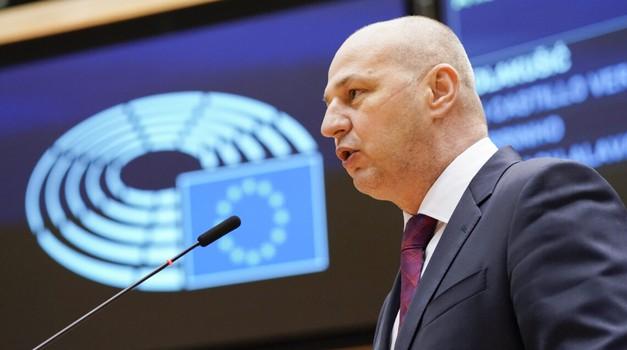 Kolakušić: Korupcija i kriminal počinjeni pri obnovi pod okriljem HDZ-a su ratno profiterstvo