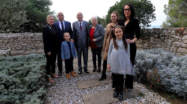 Virska poduzetnička obitelj Kapović proslavila 50 godina obiteljskog biznisa