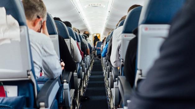 Zrakoplovne tvrtke tražit će od putnika koji ulaze u Sjedinjene Države potvrdu o testiranju na COVID-19
