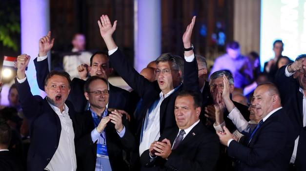 Sestre, neka ste feštale, pa zar corona party nije priređen i u izbornoj noći. Pobjednici su tancali i slavili pobjedu, a vi odlazak u Njemačku