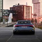Audi e-tron GT - Porsche Taycan. ali s četiri kruga na maski - ultimativna sportska električna limuzina (foto: Audi)