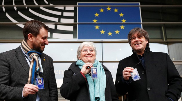 Katalonsku trojku od španjolskog progona nije uspio spasiti ni Mislav Kolakušić, od 25 članova Komisije njih 60 % glasovalo je protiv Puigdemonta, Comína i Ponsatí