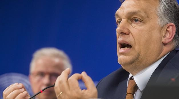 Viktor Orban povukao 12 eurozastupnika iz EPP-a kojem pripada i HDZ te ih pridružio neovisnima među kojima su Sinčić i Kolakušić