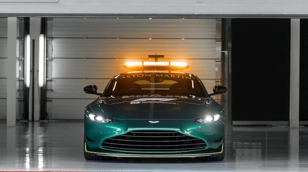 Ovo je  Aston Martin Vantage, koji će već krajem ožujka uz Mercedes-Benz AMG GT prevoditi bolide F1 u Velikom cirkusu