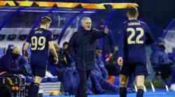 """""""Ranjeni Mourinho"""": - Dinamovci su na terenu ostavili sve. Znoj, energiju, krv... Na kraju su pustili i suze radosnice. Čestitam im"""
