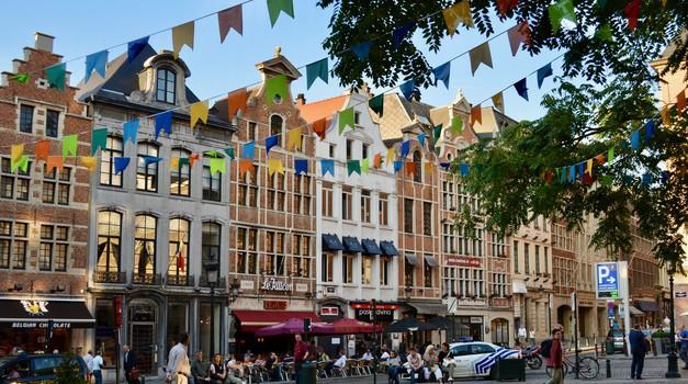 Belgija u strogom lockdownu - na mjesec dana zatvaraju škole, trgovine, frizerske salone...