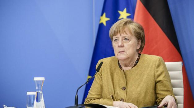 Njemačka obustavlja cijepljenje AstraZenecom kod osoba mlađih od 60 godina