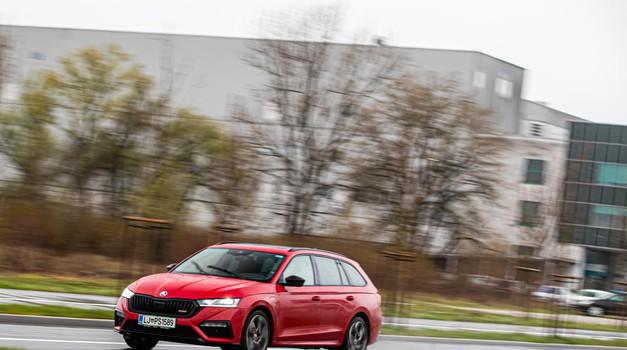 """Octavia RS iV prva je Škoda s plug in pogonom i svojevrsna zamjena za rasne češke sportaše koji će ubuduće očito biti """"prigušeni"""""""