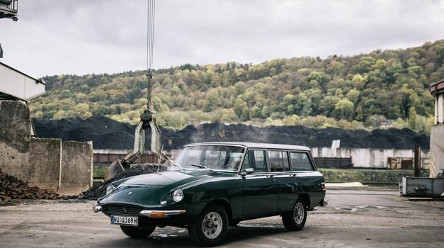 Jerrari, prvi SUV na svijetu je stvoren prije 52 godine, a dijete je Jeepa in Ferrarija, ali ne i čuvenog Enza koji se križao kad ga je vidio