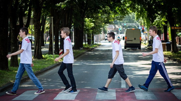 PONOS HRVATSKE! Samo su dva Kineza i Japanac bili bolji od Dorijana Lendvaja (15), učenika MIOC-a koji je najbolji europski informatičar na Olimpijadi u Singapuru, uz sve to, HR repka je zlatna