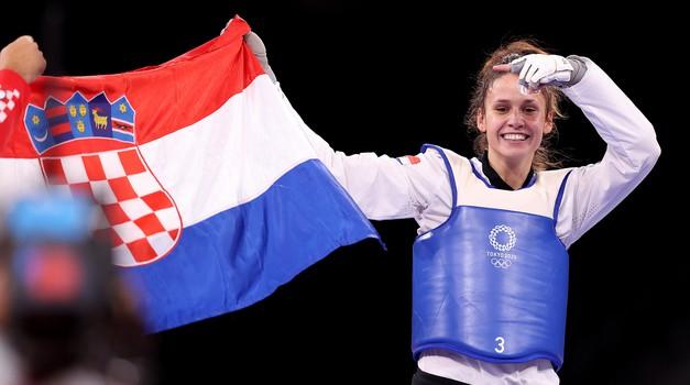Imamo prvo zlato! Bravo za Mateu Jelić - Knin i Hrvatska slave na najjače