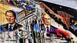 2,8 milijuna istočnih Nijemaca je pobjeglo iz DDR-a do 1961., a onda je Erich Honecker to odlučio spriječiti silom - sagradio je 155 km dug zid, ubivši na njemu najmanje 140 njih gladnih slobode