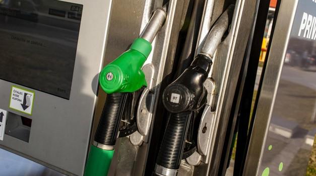 Cijene nafte nastavljaju padati. 7,5 kn za litru Eurosupera i Eurodizela vrlo skoro. Ne bi se smjelo dogoditi da cijena na benzinskim crpkama ne prati cijenu nafte na Mediteranskom tržištu