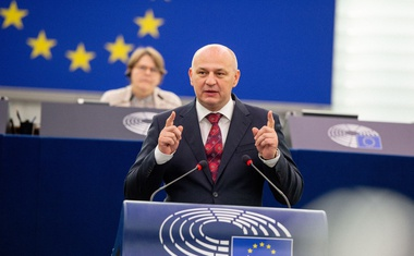 VIDEO: Roštiljaju Orbana i Morawieckog, a ne i Plenkovića koji ne poštuje odluku Europskog suda o ništavnosti bilježničkih ovrha i to već punih 10 godina